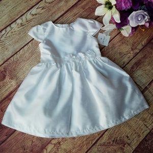 Carter's white dress